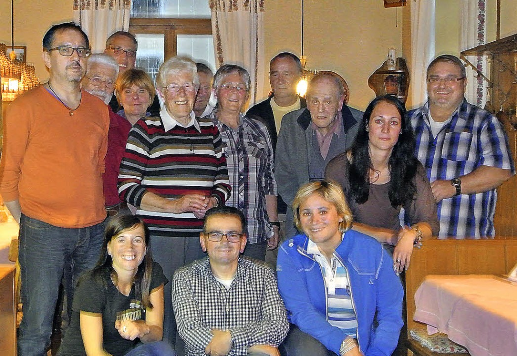 TV Todtnau:  Vizevorsitzende Silvia Sc... Zweiter von links)  mit den Geehrten.    Foto: Maier