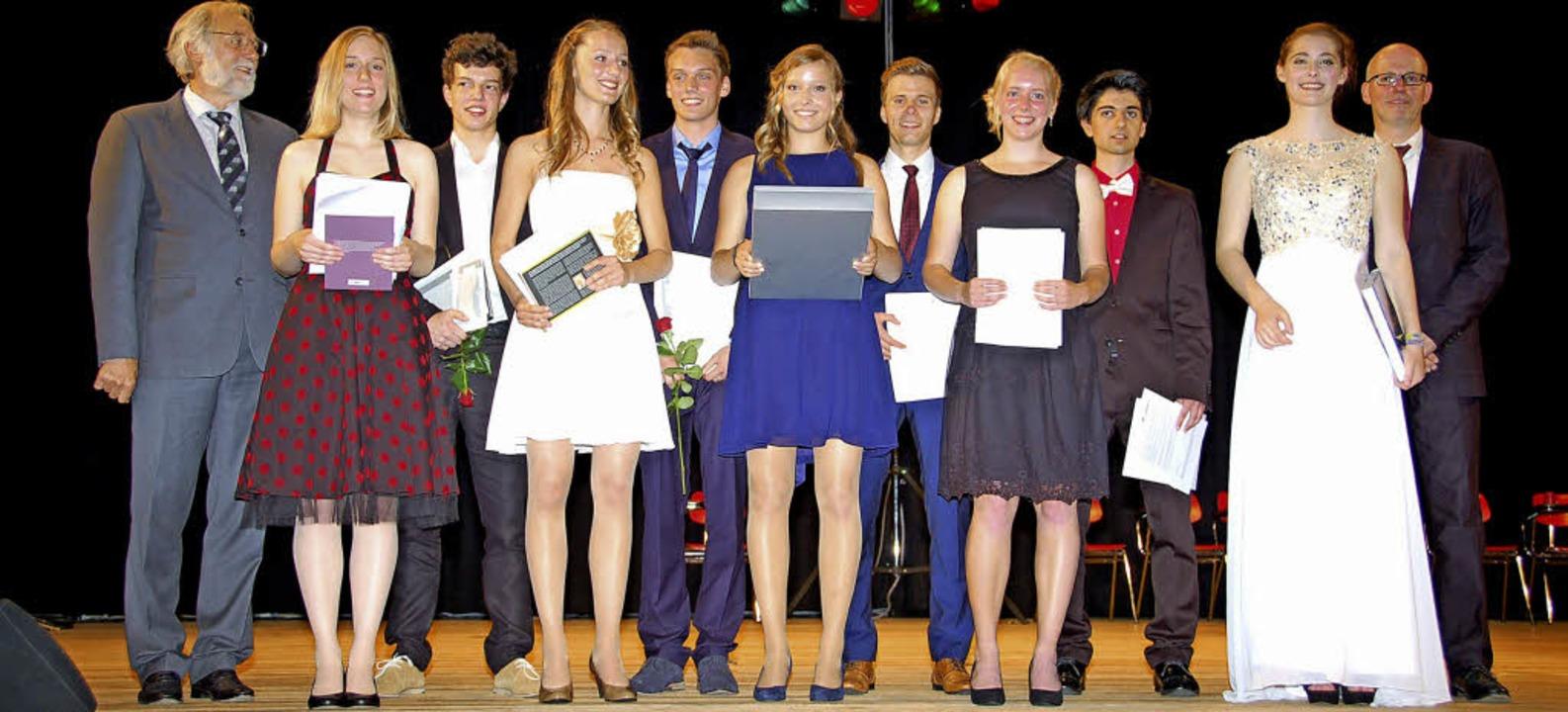 Preisträger der Abiturfeier Albert-Schweitzer-Gymnasium    Foto: Andrea Steinhart