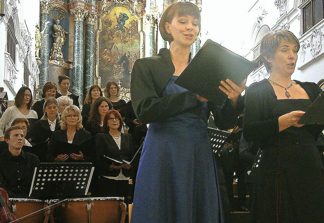 Ein a<Text>nmutiges Duett: Die Solisti...ad Säckinger Fridolinsmünster</Text>.     Foto: Roswitha Frey