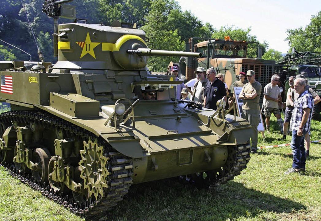 Hingucker in Sisseln: eine amerikanische Stuart M3A1    | Foto: Peter Schütz