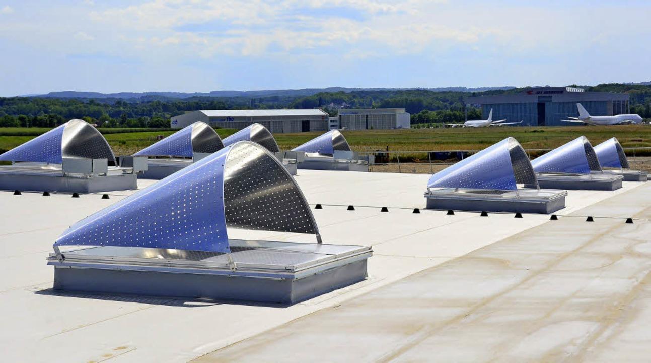 Sonnenschutz am neuen Frachtterminal  | Foto: Annette Mahro