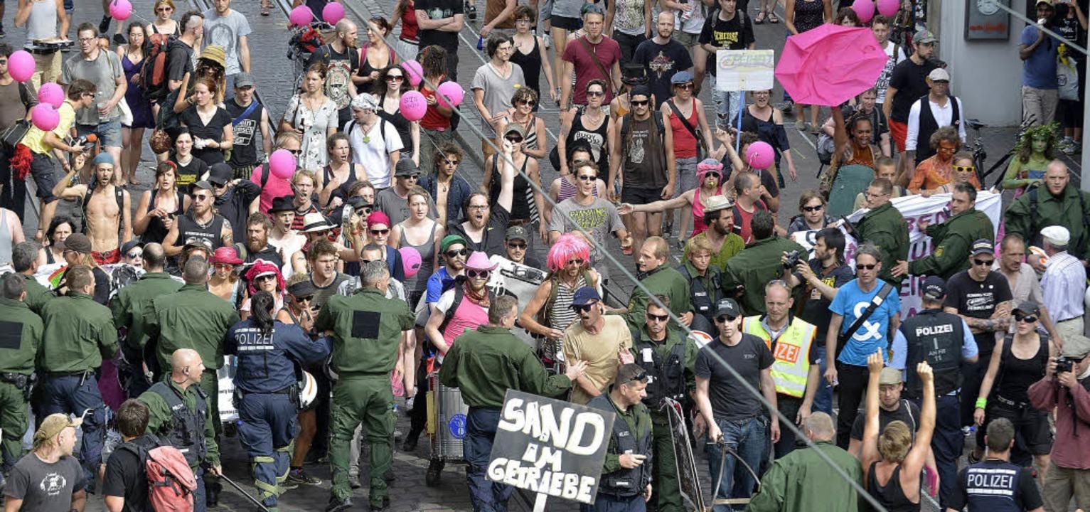 In der Bertoldstraße drohte die Lage k...ten und Polizisten aufeinandertrafen.   | Foto: Michael Bamberger