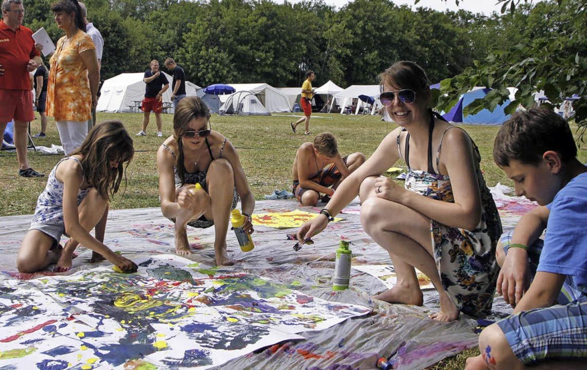 Bei der Hitze besser: Statt Sport zu t... beim Schutterner Campingplatz gemalt.  | Foto: heidi fössel