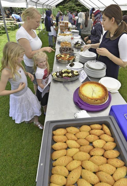 Leckeres Essen ist ein wesentlicher Te...g lang im Stadtgarten gefeiert wurde.     Foto: Michael Bamberger