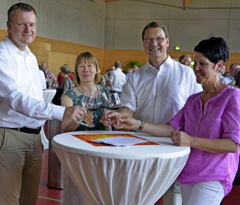 Übers Dreiländerweinfest freuten sich ...uba war eine Zigarrenwicklerin dabei.   | Foto: Sigrid Umiger
