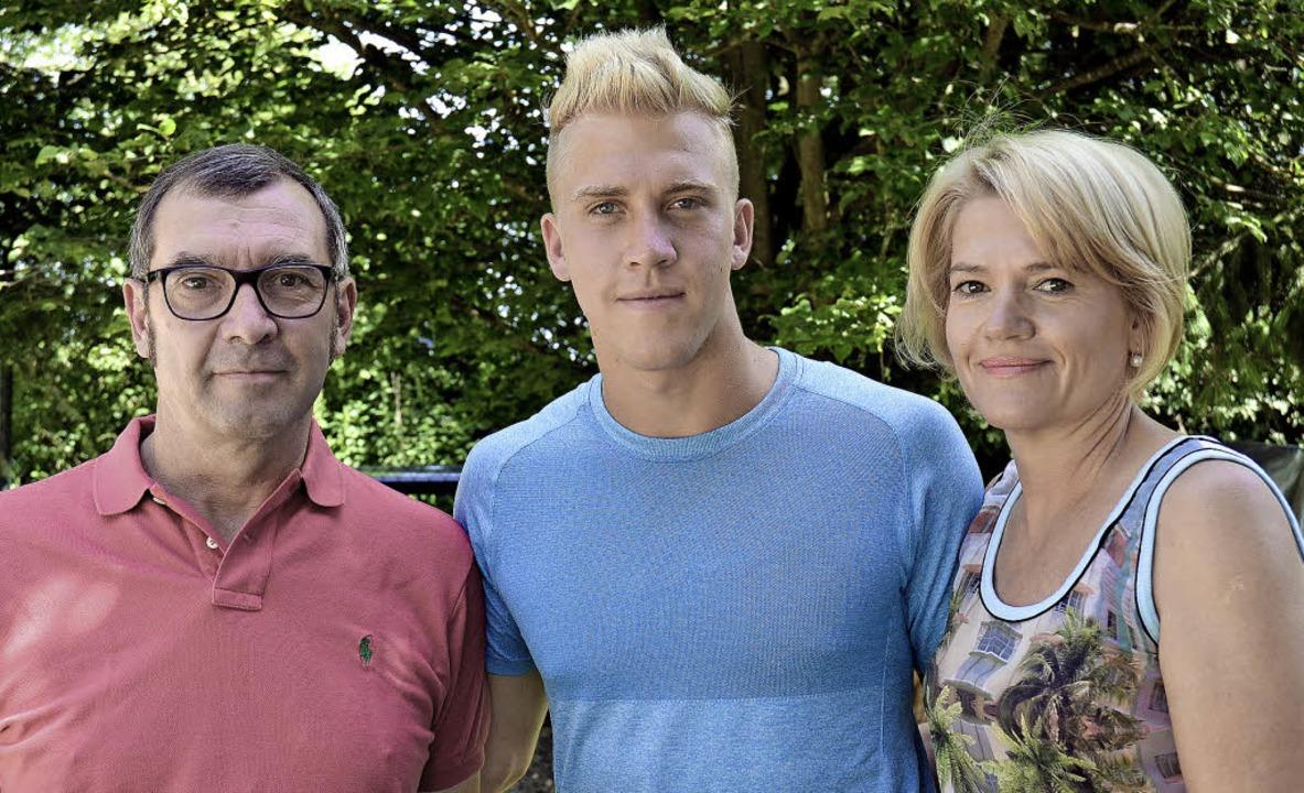 Starken Rückhalt in  der Familie, die ... Vater Holger und der Mutter Claudia.   | Foto: Sebastian Köhli