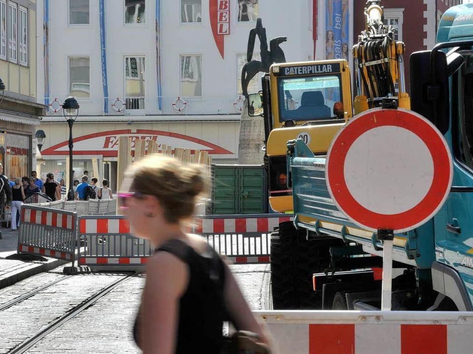Die ersten Barrikaden stehen.  | Foto: Michael Bamberger