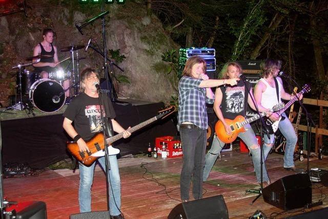Knochenharter Rock begeistert die treuen Fans