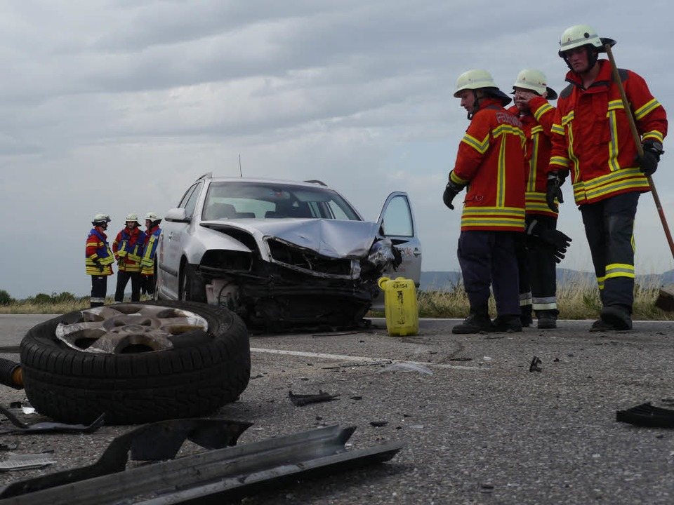 "Hinter dem ""Rimsinger Ei"" ...Verkehrsunfall mit fünf Autos gegeben.  | Foto: Patrick Kerber"