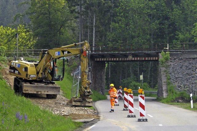 Mit Teil- und Vollsperrungen zu einer großen Brücke