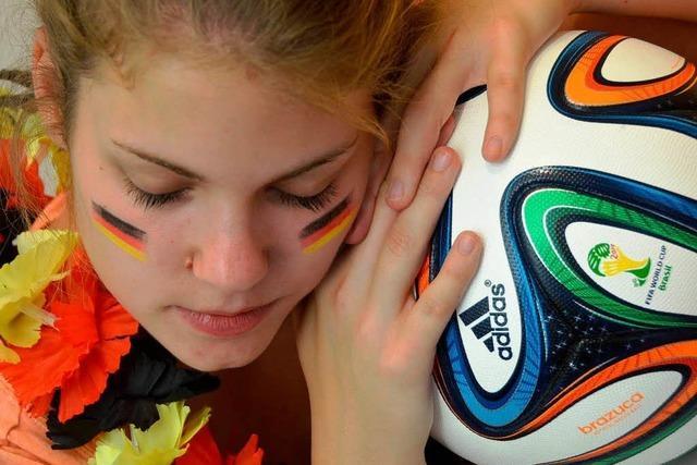 Firmen, Schulen und Gemeinderäte nehmen Rücksicht auf Fußballverrückte