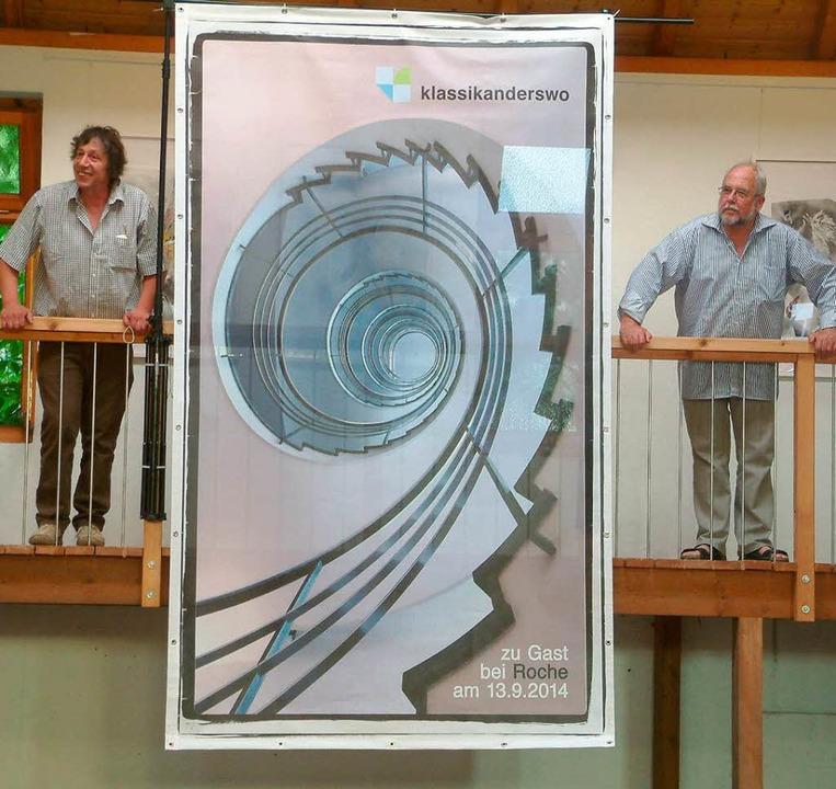 Peter Weber (links) und Helmut Bauckne...sten Konzertort: Roche Grenzach-Wyhlen  | Foto: Roswitha Frey