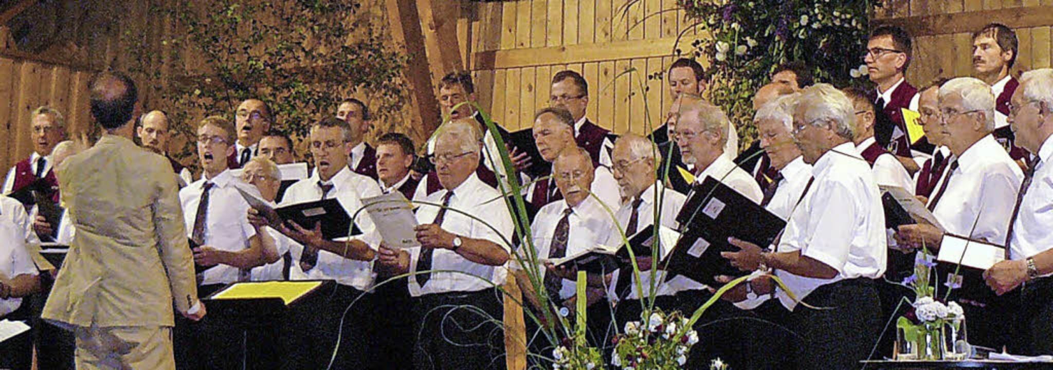 Das Finale mit Udo Jürgens Hymne an di... Nagel zu einem stimmgewaltigen Chor.   | Foto: Edeltraud Blume