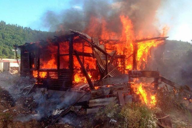 Brand in einer Hütte