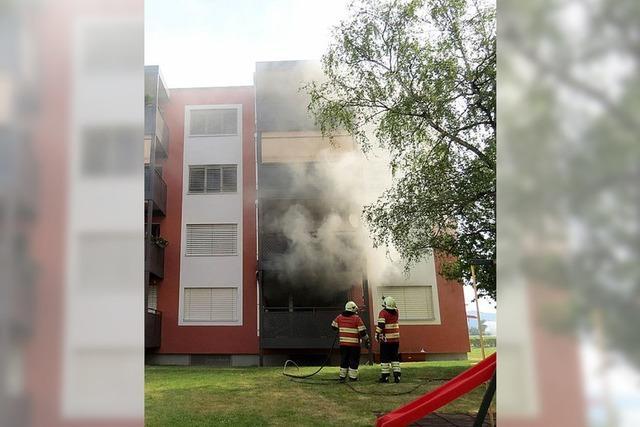 Zehn Menschen nach Brand im Krankenhaus