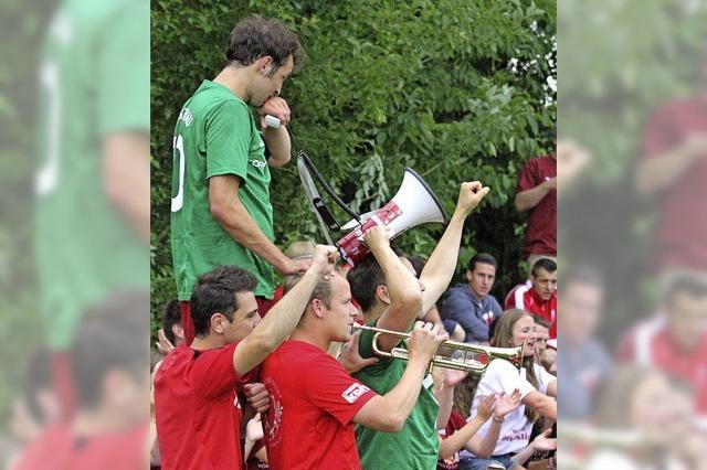 Au-Wittnau hisst die Landesligaflagge