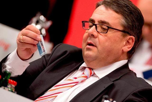 Debatte in der SPD über Gabriels Parteichef-Salär