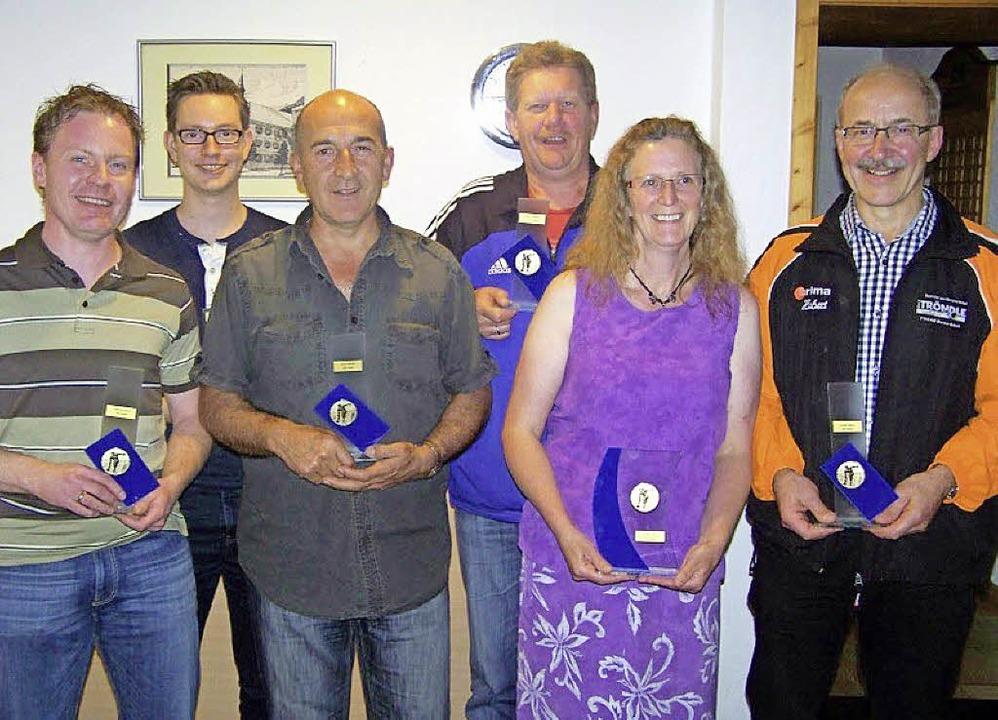Die geehrten SKV-Mitglieder (von links...enbach, Birgit Eder und Hubert Haury.   | Foto: Schneider