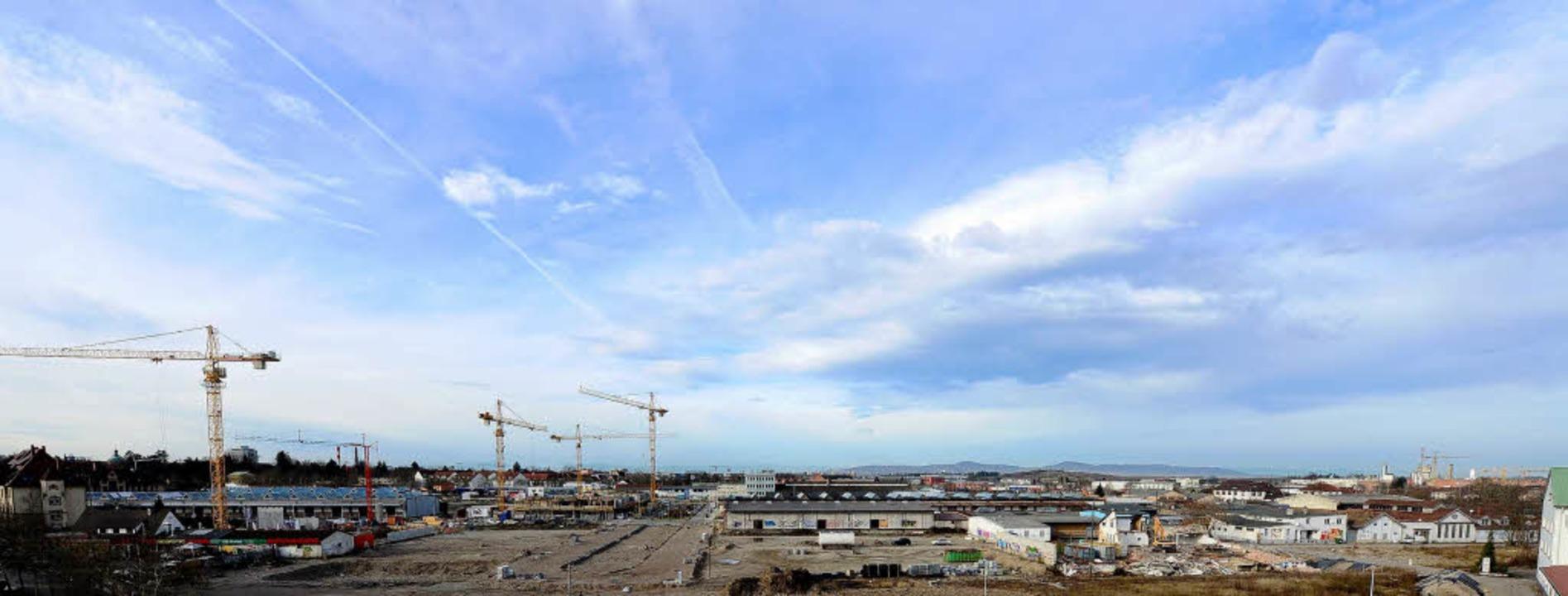 Güterbahnhofareal Nord: Auf den Abriss folgt der Aufbau.    Foto: Ingo schneider