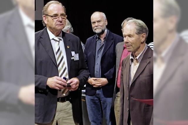 Verdienstnadel in Gold für Helmuth Günther