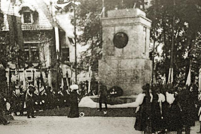 Ein Denkmal für die Gefallenen und den Großherzog