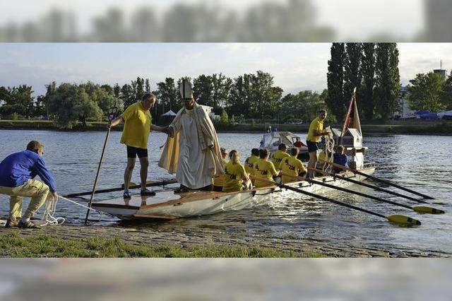 850-Jahr-Jubiläum der Stadtpatrone hat mit einem Schauspiel am Rhein begonnen