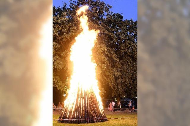 Feuer in der kürzesten Nacht des Jahres
