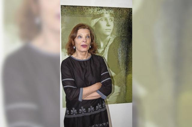 Ornamente, Frauenporträts und viel Leichtigkeit