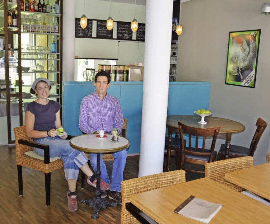 Die Café Bar Mirabeau Bietet Französische Kaffeekultur Freiburg