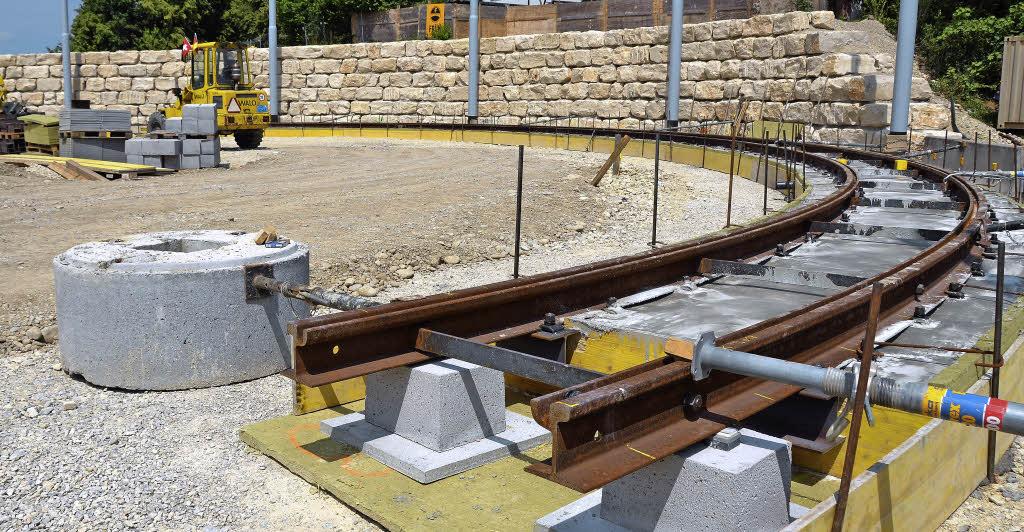 Gleisarbeiten für Tram auf der Leopoldshöhe fast abgeschlossen - Badische Zeitung