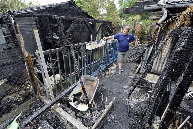 Gartenhütten ausgebrannt