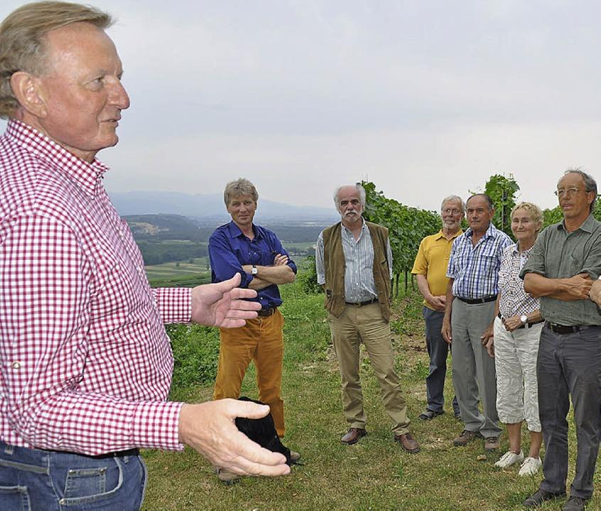Claus Schmiedel (links) tauscht sich i... über Wald, Wild und Naturschutz aus.   | Foto: Julius Steckmeister