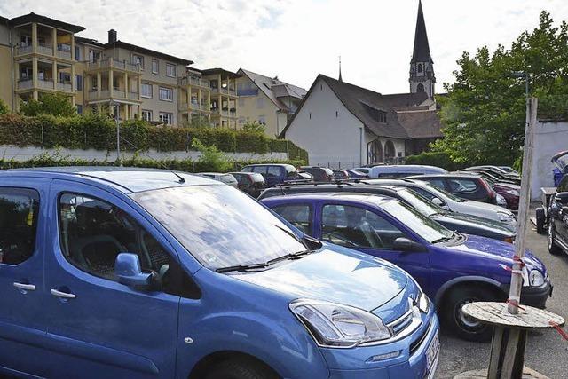 Neue Ausfahrt für Parkplatz am Tor