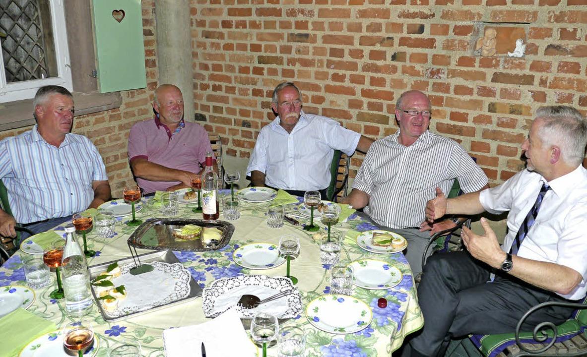 Runder Tisch zum Thema Hofabgabeklause...zialversicherung in Königschaffhausen.  | Foto: Hülter-Hassler