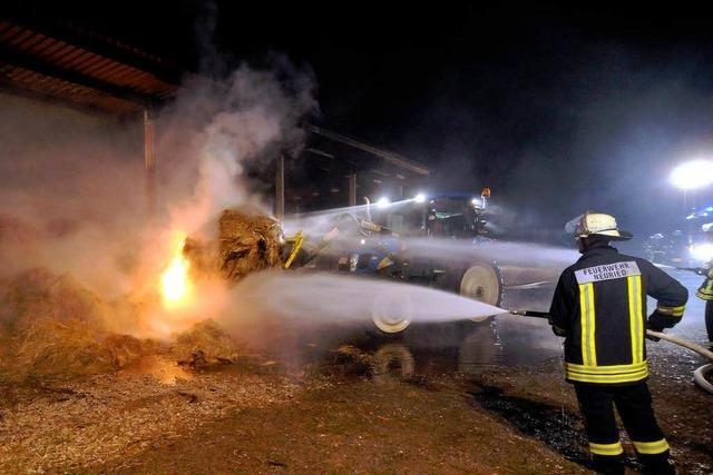 Unterstand steht in Flammen – Brandstiftung?