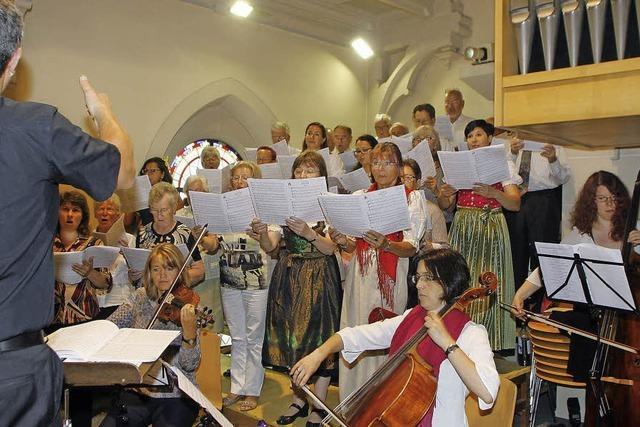 Chor, Orchester und Solisten spielten harmonisch auf