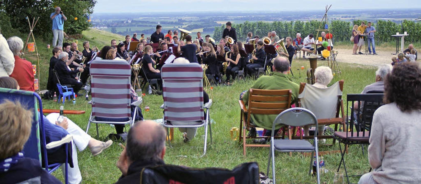 Trotz düsterer Wolken: Das Picknick-Ko...ten sich's die Besucher bequem.   | Foto: Susanne Ehmann