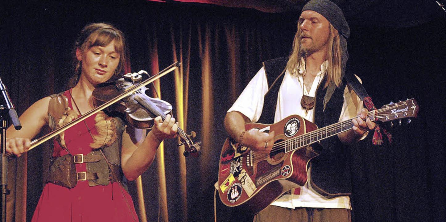 Die Happy Feet Band mit Louise Gillman und Michael Schwiening   | Foto: Thomas Loisl Mink
