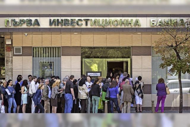 Bulgarien schrammt an Crash vorbei