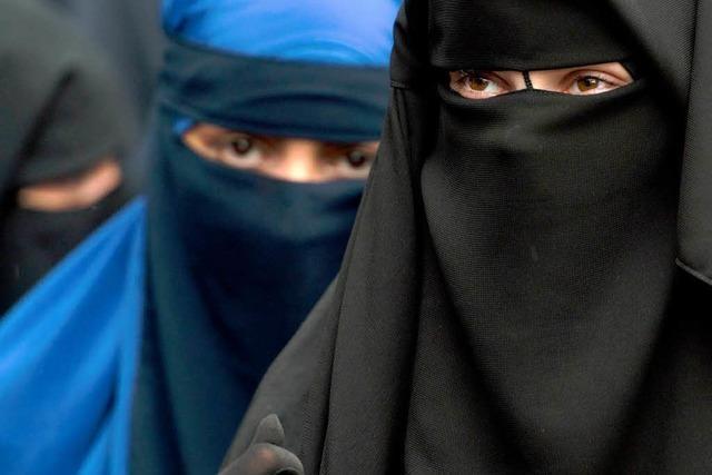 Frankreich kann Burkas weiterhin verbieten