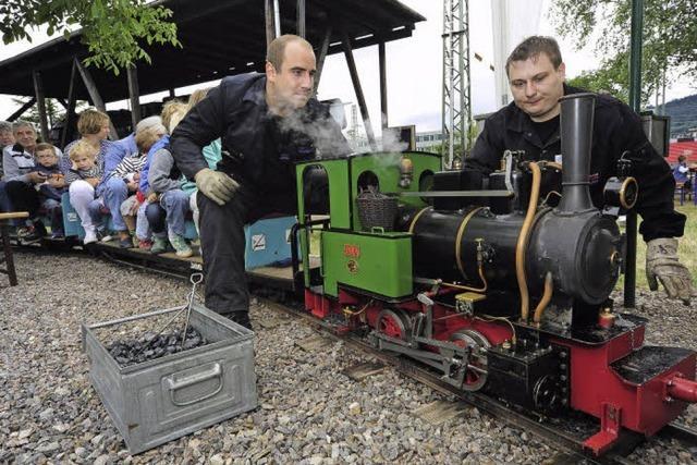 Sozialwerk feiert 30-jähriges Bestehen der Minidampfbahn-Gruppe