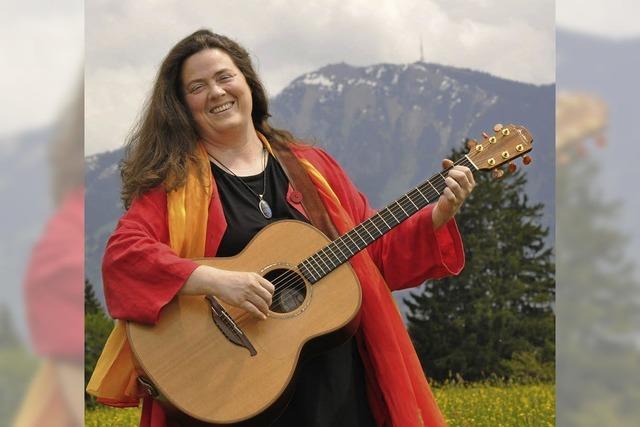 Liedermacherin Iria in Freiburg-St. Georgen