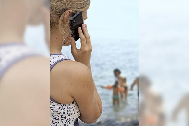 Das Smartphone kann im Urlaub weiterhin zur Kostenfalle werden