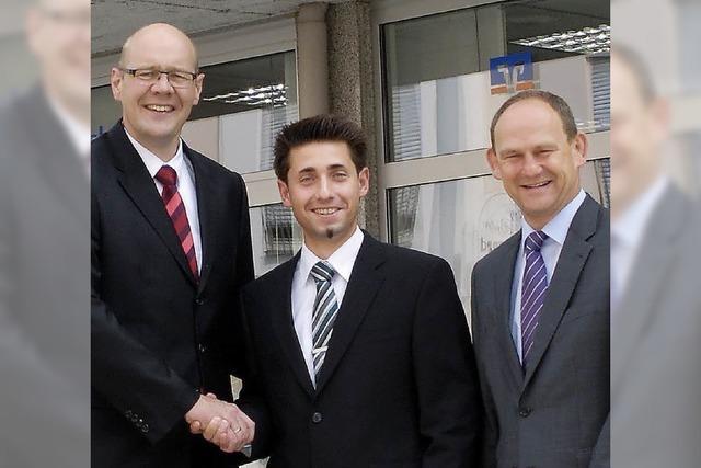 Dennis Hofmann übernimmt Leitung der Friedlinger Volksbank
