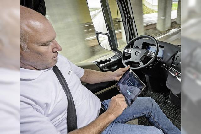 Wenn der Autopilot den Lastwagen steuert