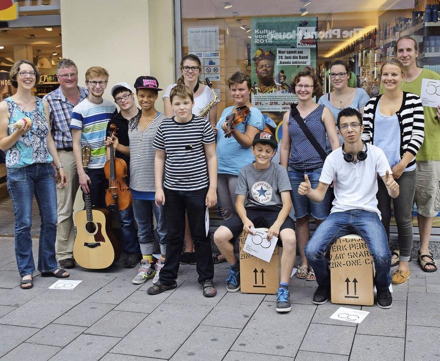 Die Banda Inklusia mit Betreuern in Reutlingen.     Foto: zvg