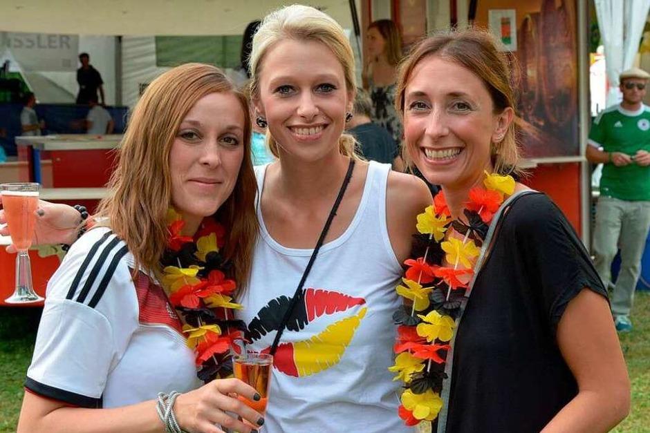 Mit strahlendem Sonnenschein und guter Laune hatte das Fest am Freitag begonnen.... (Foto: Heinz u. Monika Vollmar)