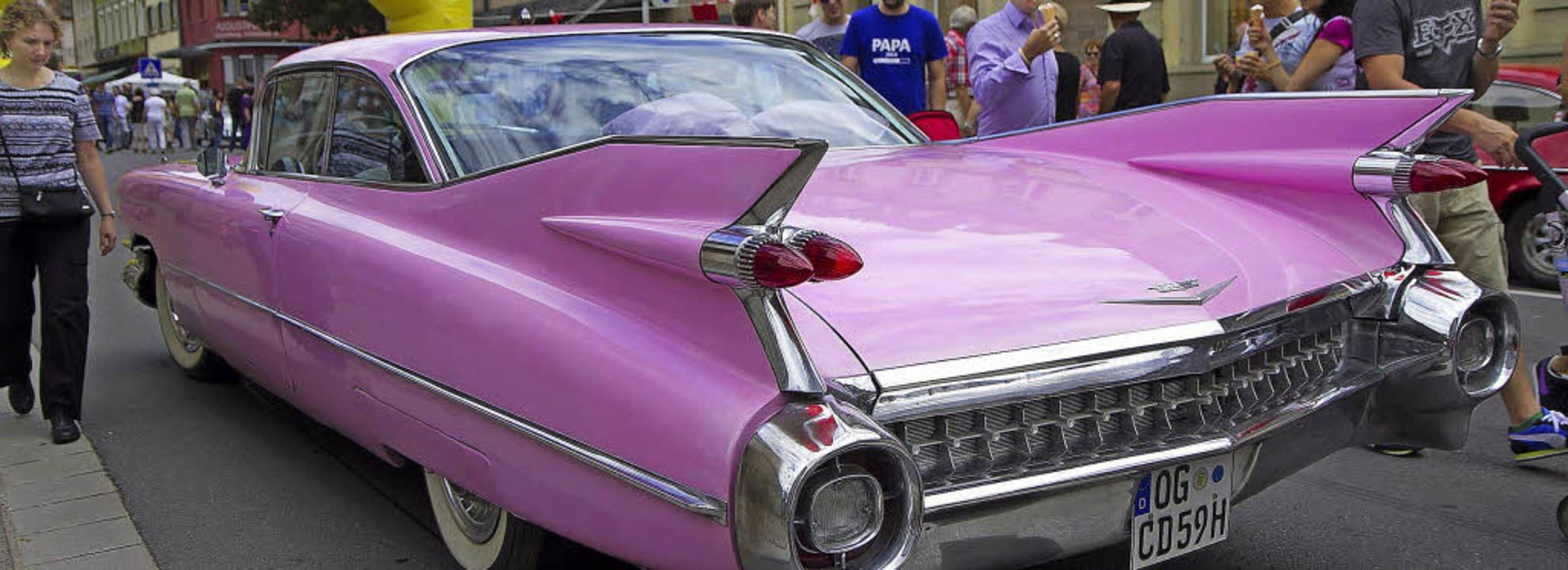 Vom protzigen amerikanischen Straßenkreuzer Cadillac in Pink. ..     | Foto: Daniel Fleig