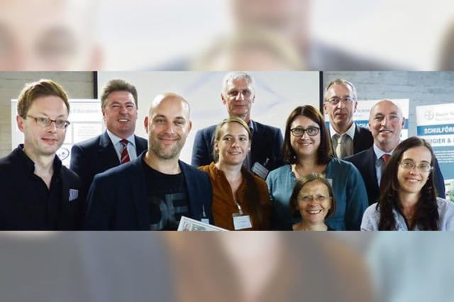 Bayer-Stiftung stärkt Schulprojekte