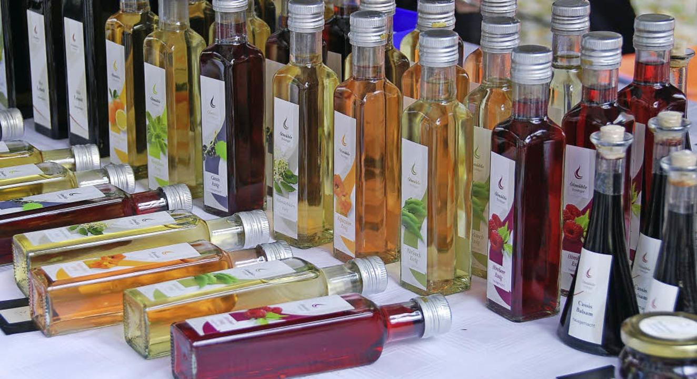 Bei den Kaiserstuhl-Tuniberg-Tagen in ...Produkte wie Öle und Essige angeboten.  | Foto: Bohn